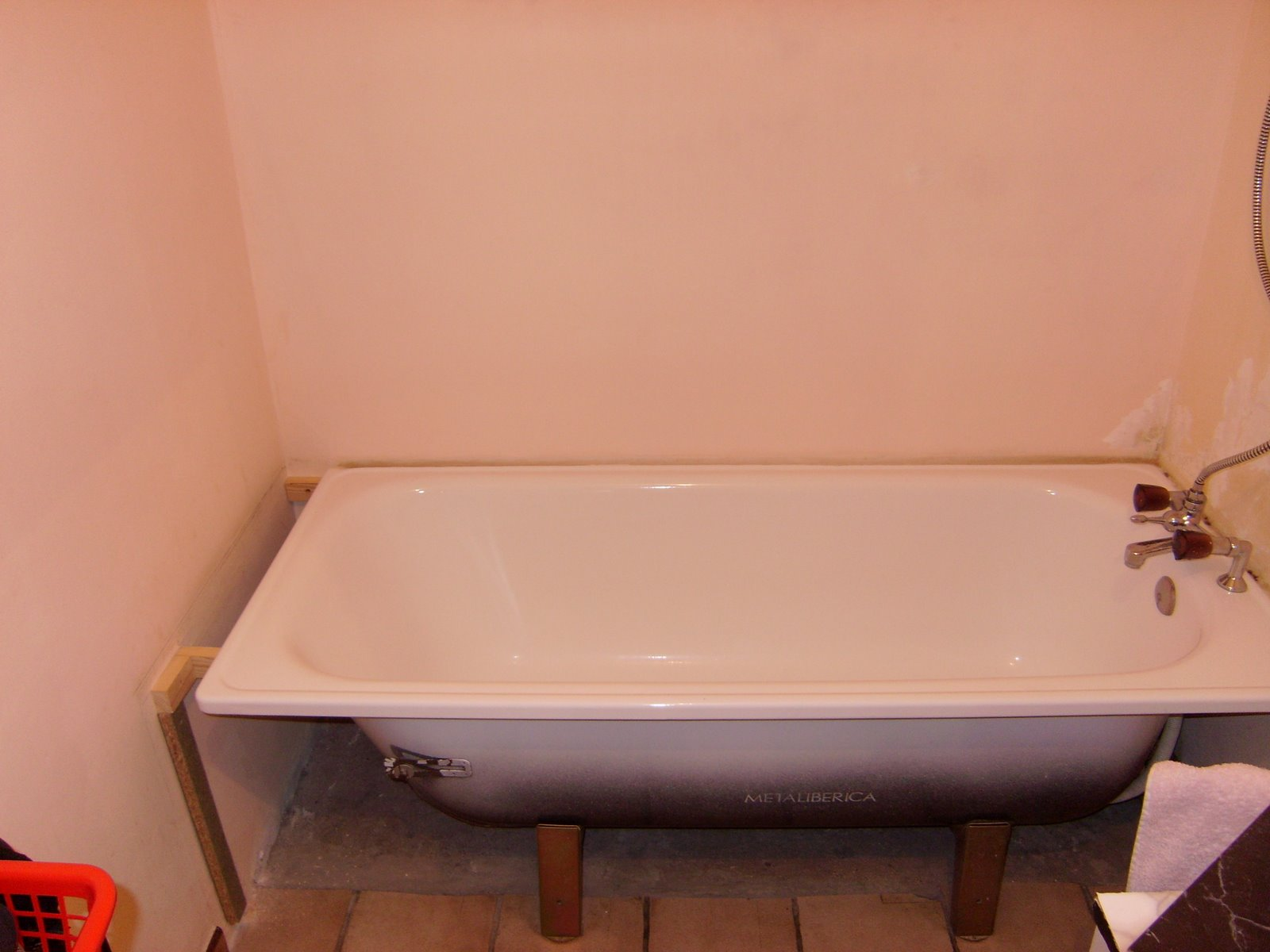 carrelage de baignoire. Black Bedroom Furniture Sets. Home Design Ideas
