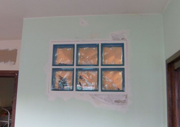 Blog de magicmanu :Aménagement de notre maison, Briques de verre posées