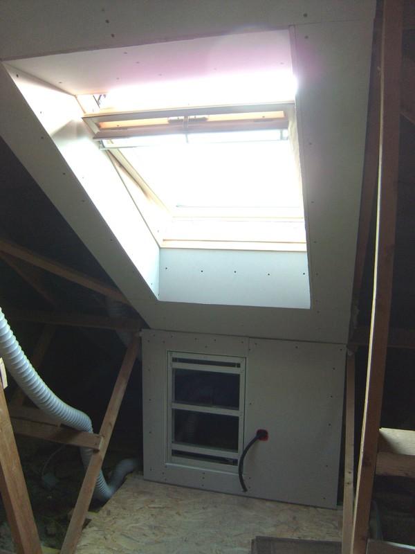 Blog de magicmanu :Aménagement de notre maison, Habillage Velux en placo, 2ème chambre