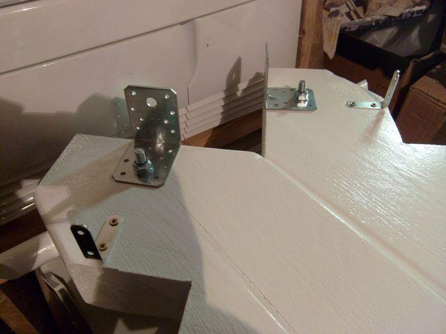 Blog de magicmanu : Aménagement de notre maison, Escalier, les fixations