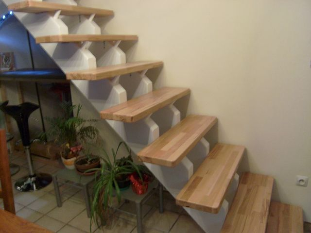 Blog de magicmanu :Aménagement de notre maison, Pose escalier