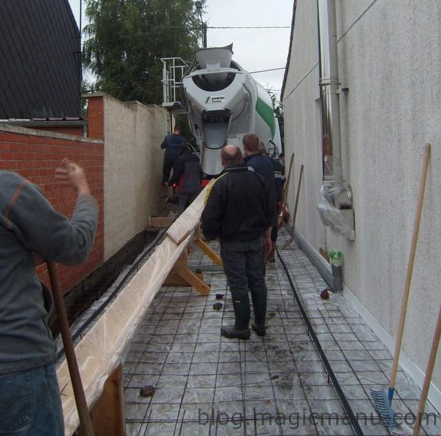 Blog de magicmanu : Aménagement de notre maison, Garage : coulage de la dalle béton