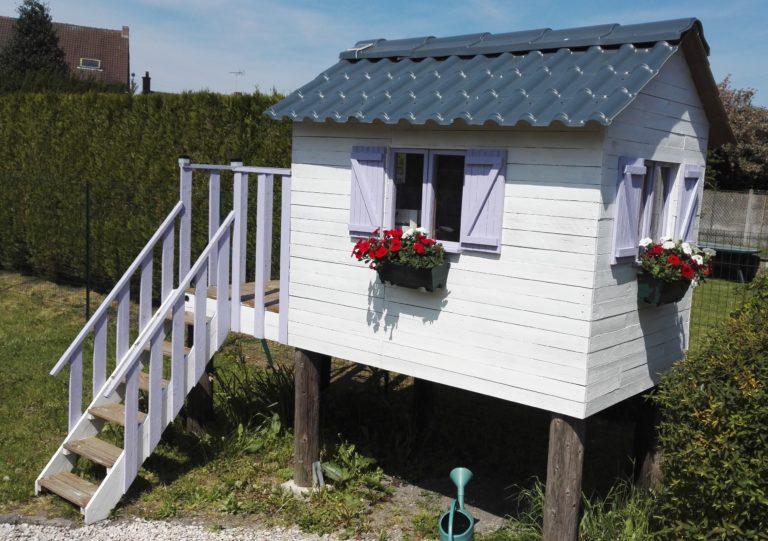 fabriquer une cabane pour enfants avec des palettes. Black Bedroom Furniture Sets. Home Design Ideas