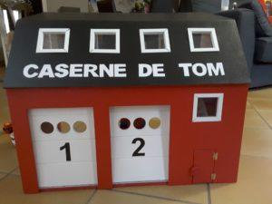 Fabriquer une Caserne de pompier Playmobil en bois