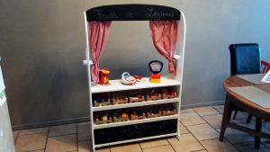 Marchande / théâtre en bois pour enfants