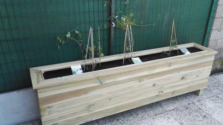 Fabriquer un bac à fleurs en lames de terrasse