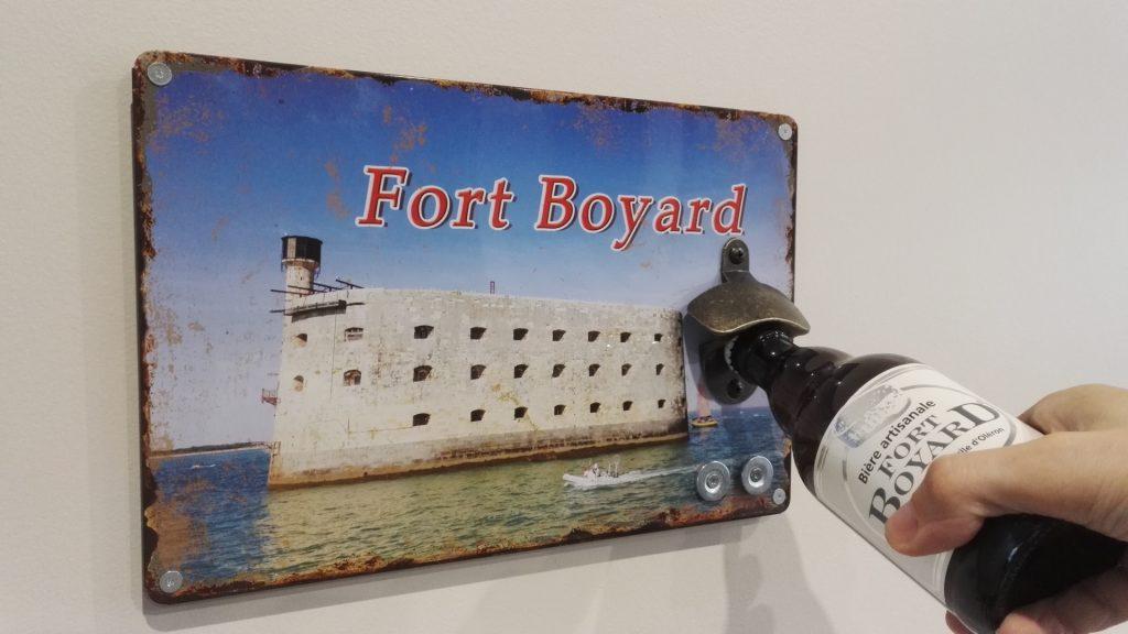 Décapsuleur mural Fort Boyard