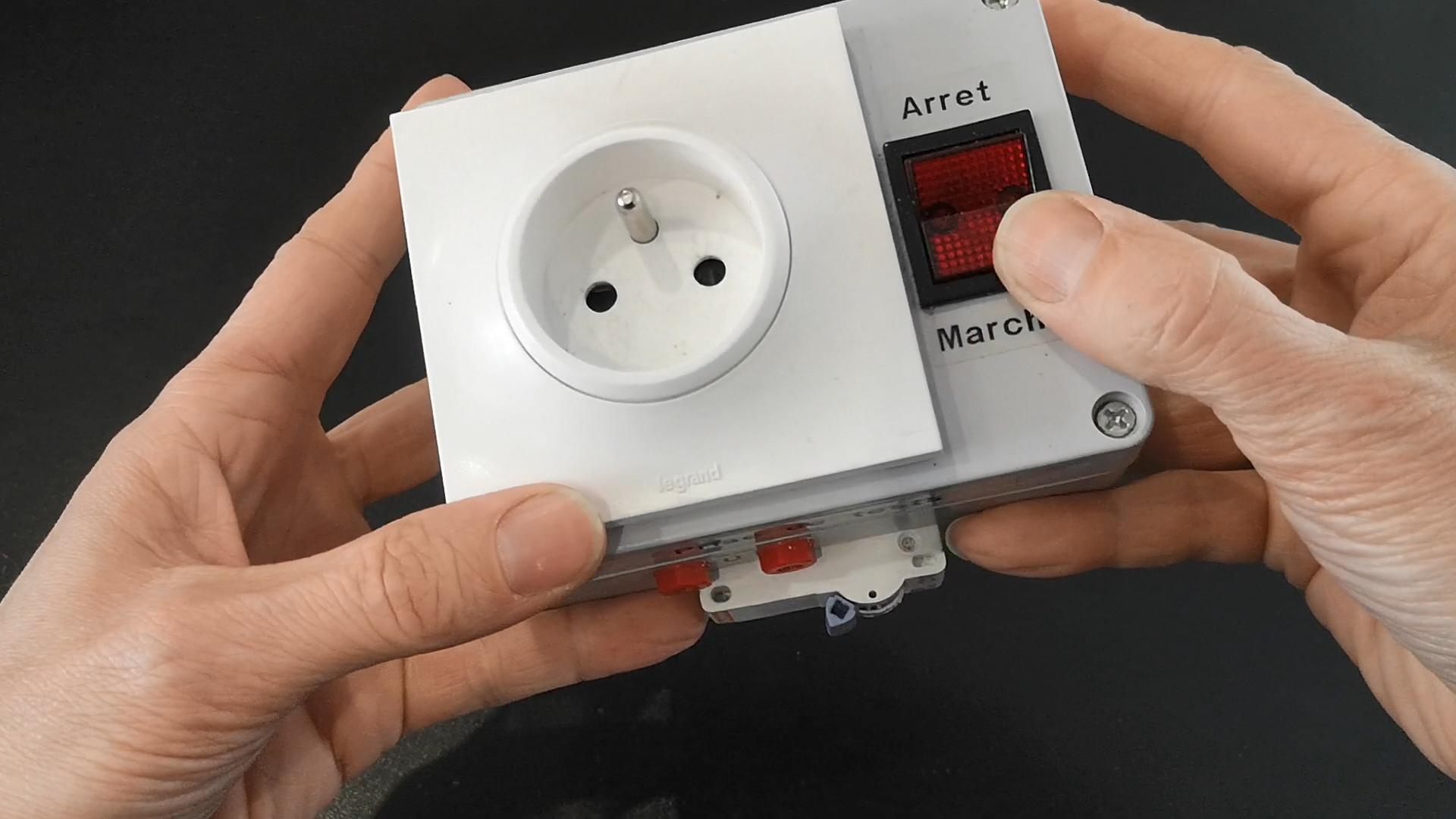 Fabriquer une prise de tests et mesures électriques
