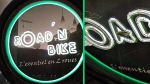 Read more about the article Fabriquer une enseigne lumineuse néon avec un pneu de moto : Road'N Bike